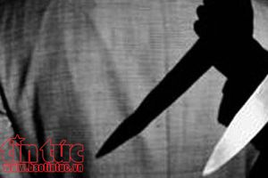 Hai vợ chồng tử vong bất thường trước cửa nhà