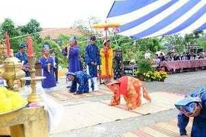 Rộn ràng lễ hội Cầu Bông ở làng rau 500 tuổi ngày đầu Xuân