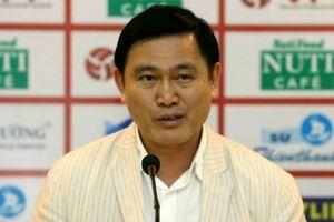 Đằng sau việc bầu Tú bất ngờ rút lui khỏi ghế Trưởng giải V-League