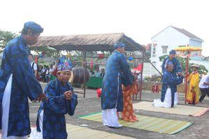 Rộn ràng lễ hội Cầu Bông ở làng rau sạch hơn 400 năm tuổi