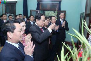 Chủ tịch MTTQ Việt Nam Trần Thanh Mẫn dâng hương tưởng niệm Bác Hồ