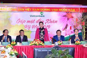 Chủ tịch Quốc hội Nguyễn Thị Kim Ngân thăm và chúc Tết Vietcombank