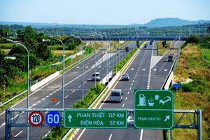 2 ô tô bị từ chối phục vụ vĩnh viễn trên cao tốc của VEC
