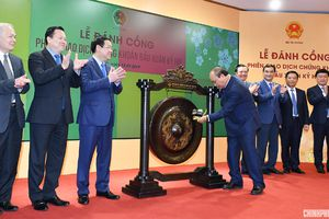 Thủ tướng: Tiếp tục minh bạch thị trường, phát triển chứng khoán thành kênh đầu tư an toàn