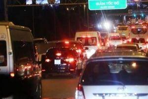 'Cấm cửa' 2 xe trên cao tốc: Tổng Cục đường bộ nói VEC sai, phải thu hồi quyết định
