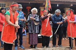 Từng bừng Hội thổi cơm thi làng Thị Cấm