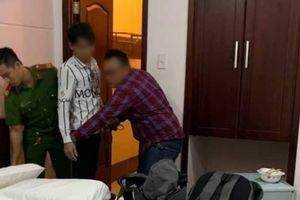 Trích xuất camera, tóm kẻ làm liều tại 1 khách sạn ở Gò Vấp