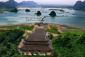 Chi tiết ngôi chùa lớn nhất thế giới của đại gia Văn Trường
