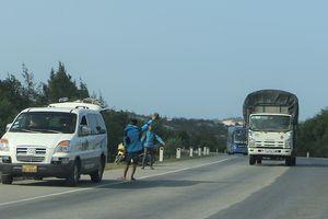 Xe khách vào Nam sau tết đủ chiêu 'qua mặt' CSGT