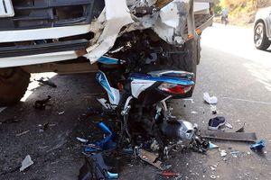 Xe máy đâm vào đầu xe tải trên đèo Bảo Lộc, phượt thủ 9X nguy kịch