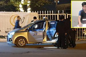 Khởi tố nghi phạm cứa cổ tài xế taxi trước sân Mỹ Đình: Bỏ lọt tội 'Cướp tài sản'?