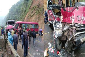 Xe khách đối đầu xe tải, ít nhất 5 người bị thương ở Tuyên Quang