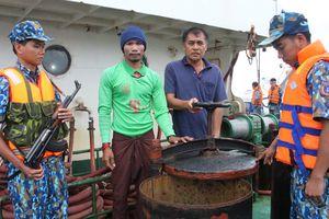 Thủ tướng yêu cầu triển khai việc thi hành Luật Cảnh sát biển Việt Nam