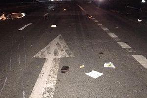 Đâm vào xe tải đỗ bên đường, 3 thanh niên tử vong