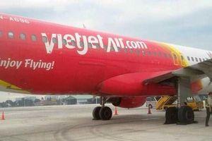 Máy bay Vietjet bị hỏng lốp khi hạ cánh xuống sân bay Tân Sơn Nhất