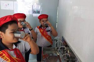 Trao 152 máy lọc nước cho các trường ở Núi Thành, Quảng Nam