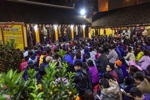 Đóng cửa chùa vì quá tải người đi cúng sao giải hạn