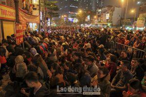Hàng nghìn người chen nhau dâng sao giải hạn ở Tổ đình Phúc Khánh