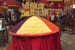 Độc đáo mâm xôi tiến Vua khổng lồ tại Lễ hội đình Phú Gia