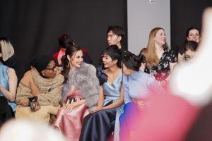 H'hen Niê danh giá ngang hàng siêu sao quốc tế khi ngồi ghế đầu tại New York Fashion Week