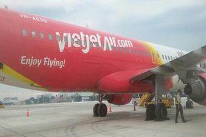 Máy bay Vietjet gặp sự cố nổ lốp khi hạ cánh ở sân bay Tân Sơn Nhất