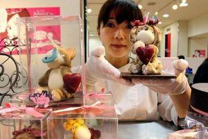 Tại sao phụ nữ Nhật biểu tình phản đối Valentine nhưng vẫn mua socola?
