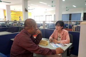 Hà Nội: Sàn giao dịch việc làm đầu năm 'vắng như chùa bà Đanh'