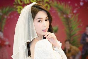 Ngọc Trinh rạng rỡ trong trang phục cô dâu
