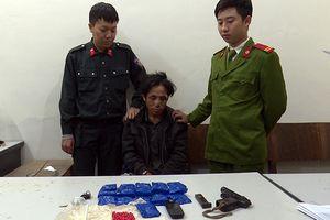 Tội phạm ma túy sử dụng vũ khí nóng chống trả công an