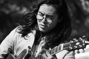 Chàng trai Việt chơi nhạc Blues