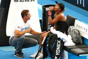 Naomi Osaka chia tay huấn luyện viên