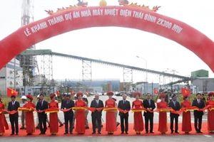 Thủ tướng Nguyễn Xuân Phúc cắt băng khánh thành Nhà máy Nhiệt điện Thái Bình 1