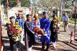 Đà Nẵng cấm cán bộ sử dụng xe công đi lễ trong giờ hành chính