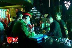 CAQ Hoàn Kiếm ra quân kiểm tra, xử lý vi phạm tại các quán bar