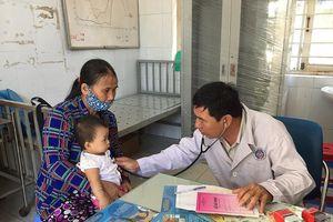 Mẹ theo trào lưu anti vaccine, con mắc sởi