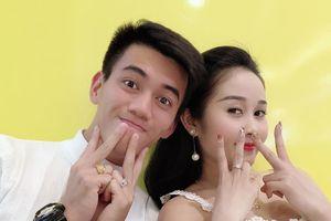 Tiến Linh, Tiến Dũng tặng vòng vàng, Đình Trọng đón Valentine ở Hàn