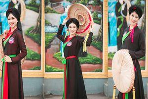 Thí sinh 'Người đẹp Kinh Bắc' hào hứng trải nghiệm văn hóa quan họ