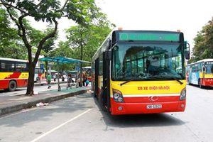 Hà Nội mở thêm hai tuyến xe buýt phục vụ du khách đi chùa Hương