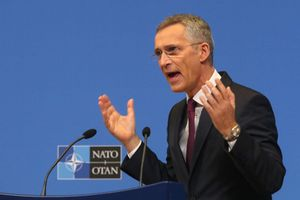 Bị Mỹ 'bán đứng', NATO tìm tới Nga để cứu vãn tình thế?