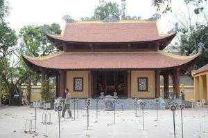Bên trong ngôi miếu Đụ Đị nơi diễn ra lễ hội 'tình phộc' lúc nửa đêm