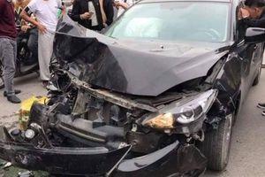 Hà Nội: Mới lái xe, tài xế Mazda3 gây tai nạn liên hoàn ngày Valentine