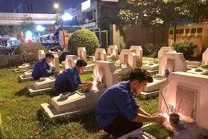 Đoàn viên, thanh niên Hà Nội dâng hương, thắp nến tri ân anh hùng, liệt sĩ trong cuộc chiến đấu bảo vệ biên giới phía Bắc