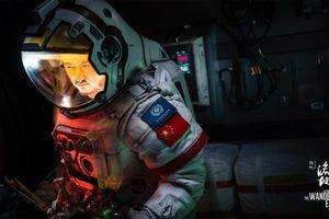Trailer phim 'Lưu lạc địa cầu' đang gây chấn động phòng vé Trung Quốc