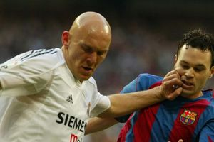 Thomas Gravesen: Từ thua bài bạc triệu USD đến bẻ răng Ronaldo