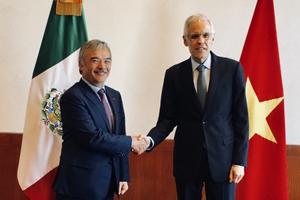 Đại sứ Nguyễn Hoài Dương chào xã giao tân Thứ trưởng Ngoại giao Mexico