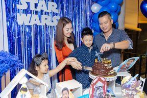 Con trai Quang Dũng mừng sinh nhật bên mẹ Jennifer Phạm và bố dượng