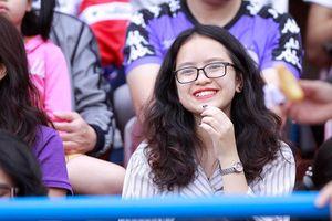 Ngẩn ngơ những bóng hồng 'tiếp lửa' trận Siêu Cup quốc gia 2019
