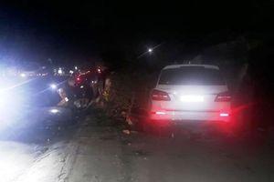Ô tô gây tai nạn liên hoàn, húc bay 3 người phụ nữ bán rau