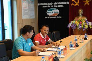 Không thỏa thuận được với SLNA, Trọng Hoàng bất ngờ gia nhập Viettel