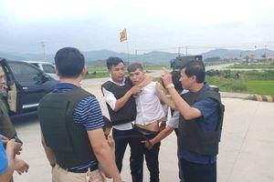 Hà Tĩnh: Hàng trăm chiến sỹ vây bắt nhóm đối tượng vận chuyển ma túy táo tợn